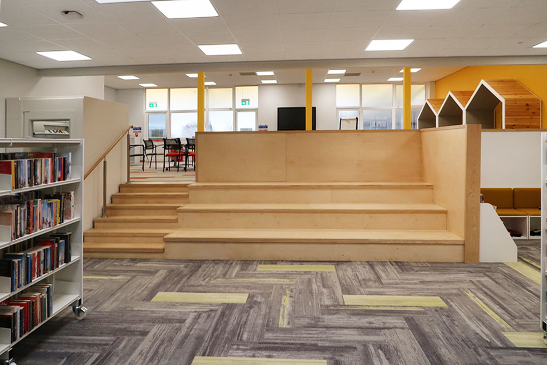 Library Flex 'wooden stairs' image_rev_1